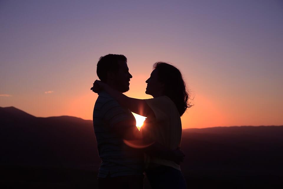 صور عشق وخلفيات جوال عشق وغرام